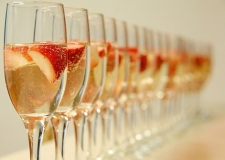 alcohol-champagne-drink-strawberries-Favim.com-202901